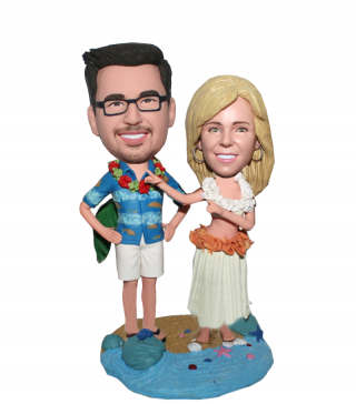 Hawaii Couple Stand On Shells Base bobblehead doll