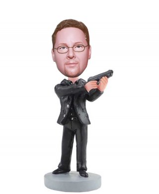 Bobblehead Pistol Dolls Made From Photos