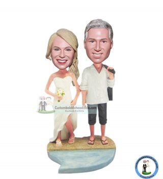 Bobblehead Couple At Beach Wedding Topper