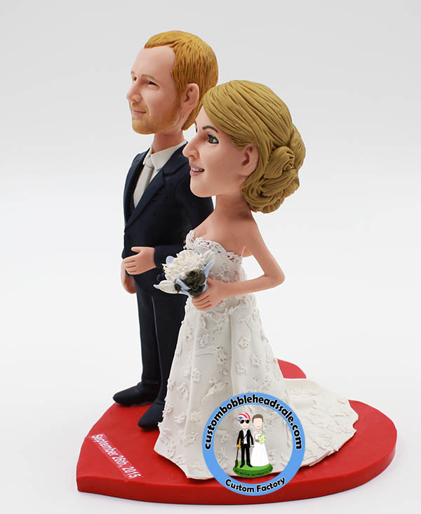 bobblehead wedding cake toppers personalized custom wedding bobble cake topper 12068